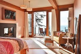 Comfortable Beach Cottage Style Living Room